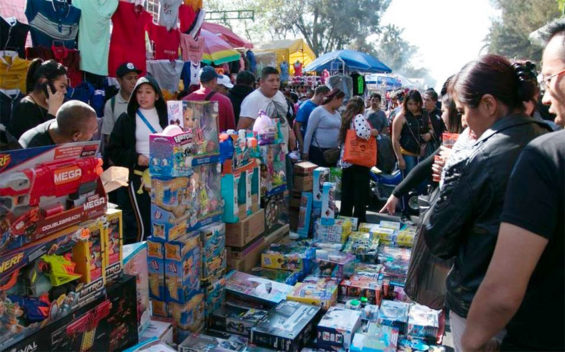 Mexico City vendors must continue to pay extortion even as sales decline.