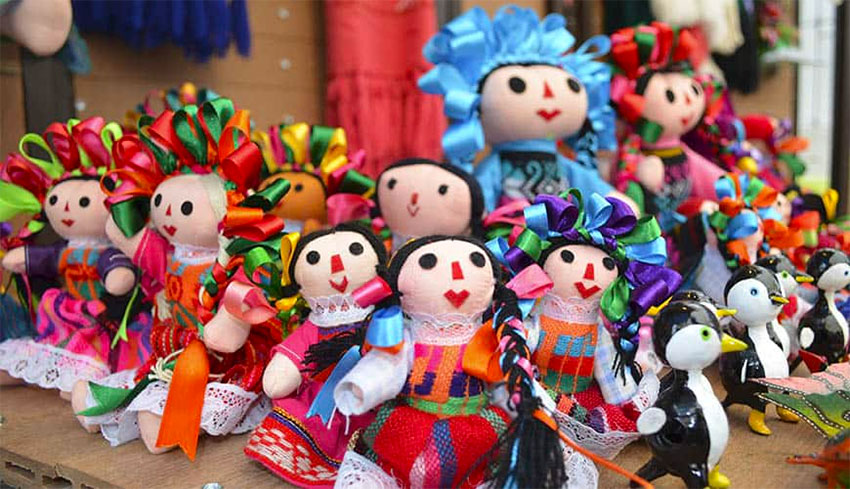 The María dolls originated in Mexico City in the 1970s.