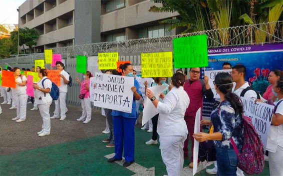 Health workers protest Friday in Acapulco.
